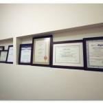 """תעודות והסמכות של צוות מרפאת שיניים ד""""ר פורת"""
